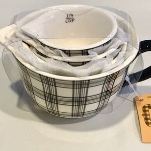 Farmhouse ceramic stackable measuring cups NWT